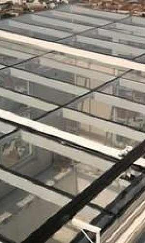 Cobertura de alumínio com vidro