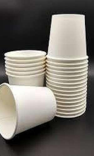 Copos ecológicos e biodegradáveis