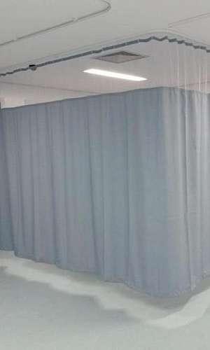 Cortina divisória hospitalar