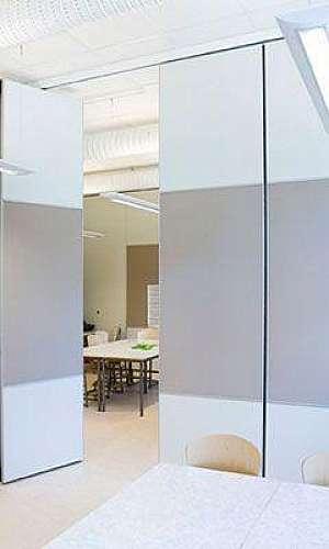 Divisória de vidro