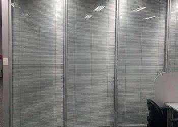 Divisoria vidro duplo com persianas