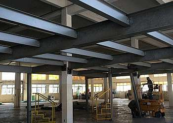 Mezanino industrial metálico Vila Curuçá