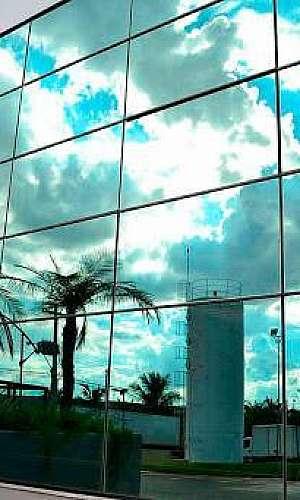 Película espelhada para vidros