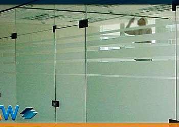 Divisória vidro escritório